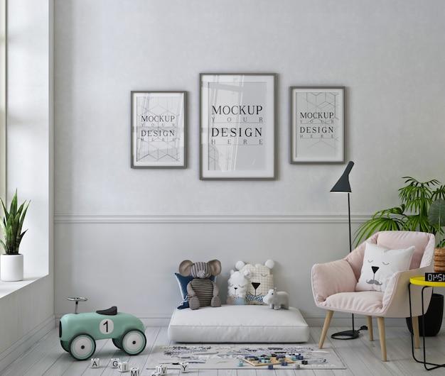 Maqueta de marcos de fotos en la sala de juegos blanca con sillón rosa pastel