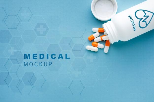Maqueta médica con pastillas