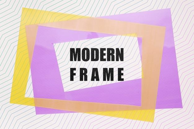 Maqueta moderna de cuadros violeta y amarillo