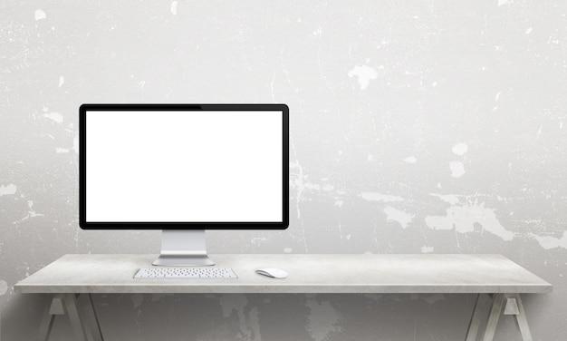 Maqueta de pantalla comuter en escritorio de oficina con espacio de copia al lado de la pared