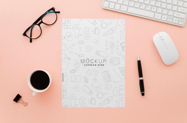 Maqueta de papel de papelería minimalista
