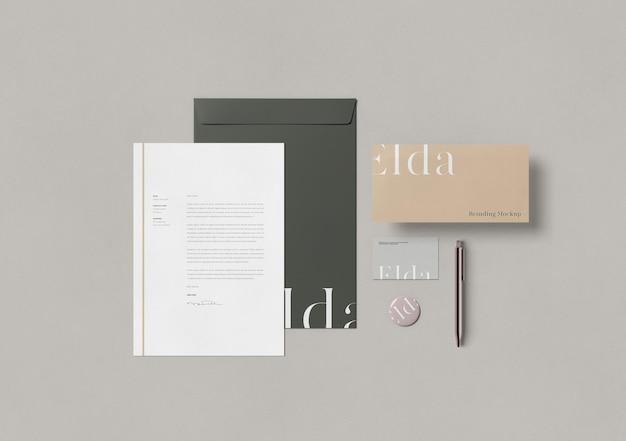 Maqueta de papelería empresarial de vista superior