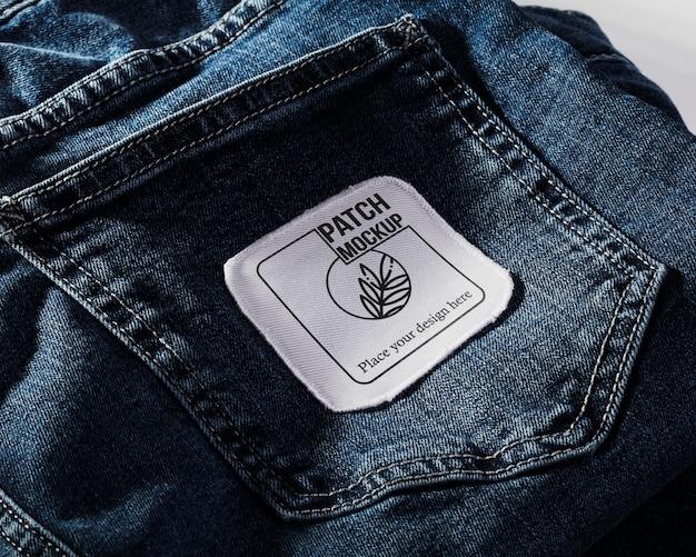 Maqueta de parche de ropa de tela en mezclilla
