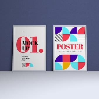 Maqueta de póster con diseño editable y color de fondo variable