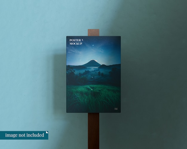 Maqueta de póster editable con bloque de madera