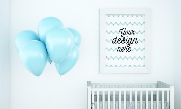 Maqueta de póster en la habitación del bebé con globos.
