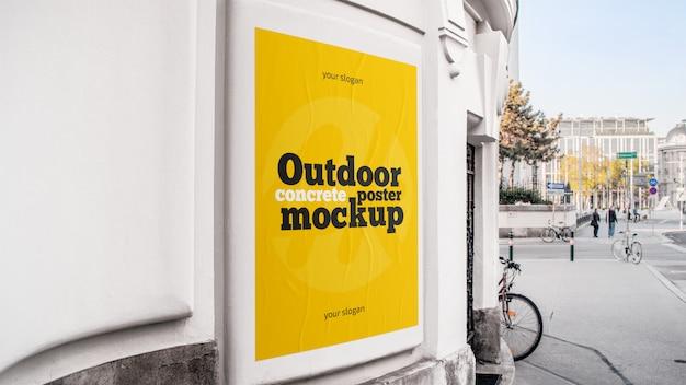 Maqueta de póster de hormigón al aire libre