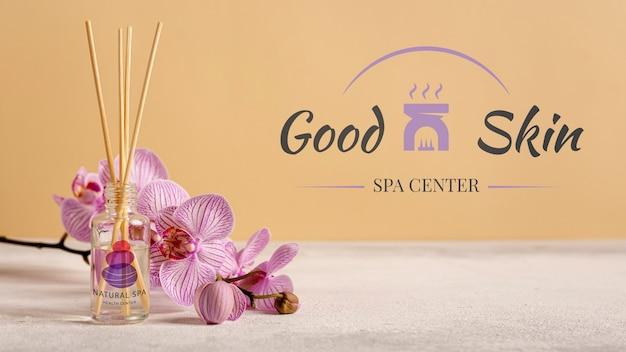 Maqueta de productos cosméticos aromáticos en spa
