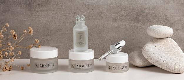 Maqueta de productos cosméticos para el cuidado de la belleza