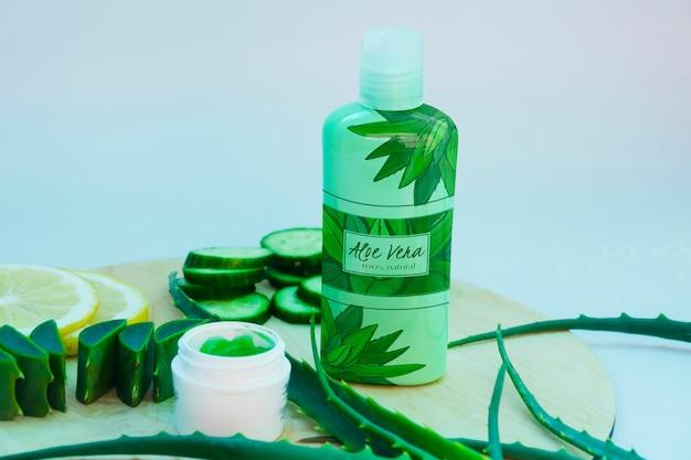 Maqueta de productos frescos de aloe vera