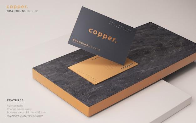 Maqueta psd de tarjeta de visita oscura y cobre