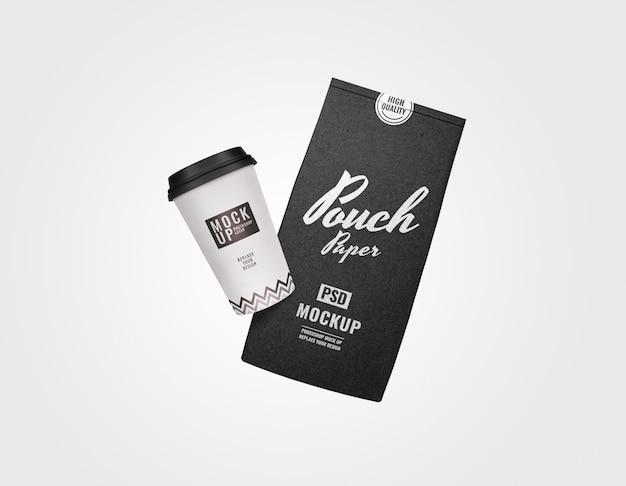 Maqueta publicitaria de bolsa y juego de café