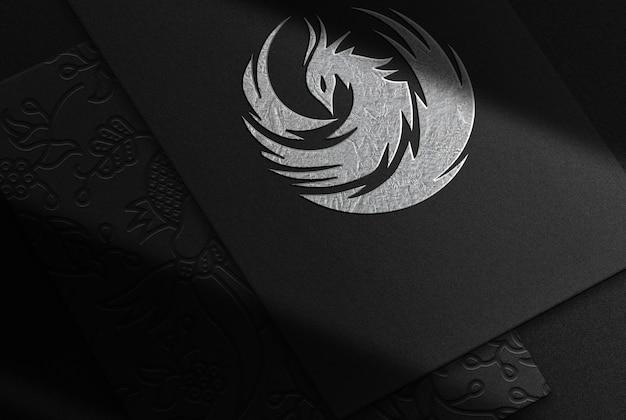 Maqueta en relieve de papel plateado de lujo