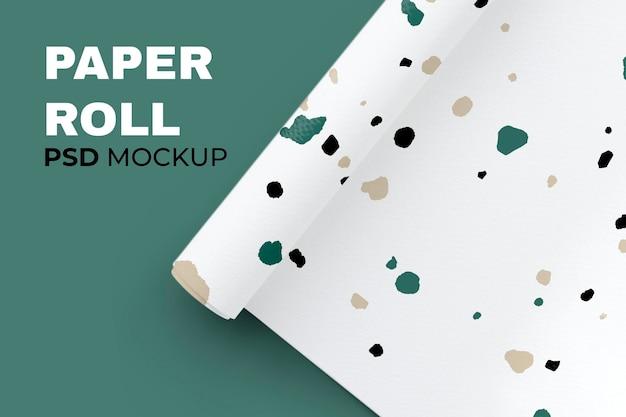 Maqueta de rollo de papel psd con patrón de collage de papel rasgado