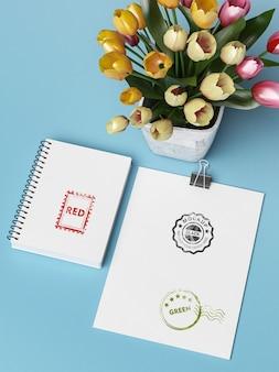 Maqueta de sello en papel blanco