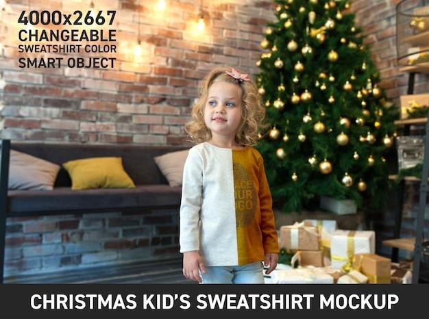 Maqueta de sudadera navideña para niños PSD Premium