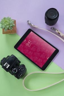 Maqueta de tableta con concepto de fotografía