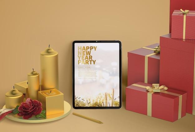 Maqueta de tableta con velas