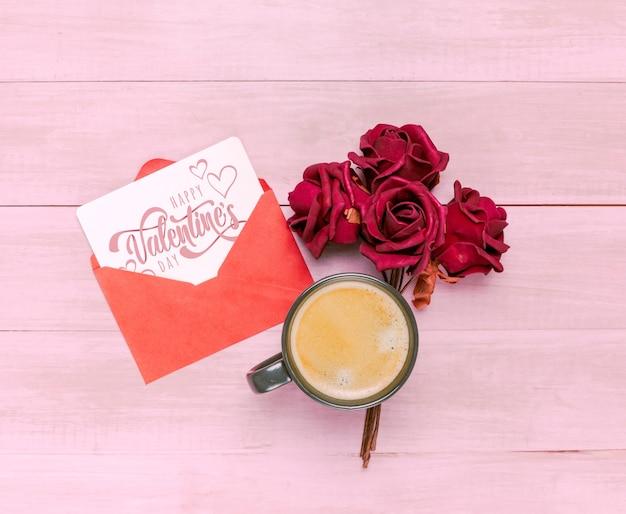 Maqueta de tarjeta del día de san valentin con desayuno