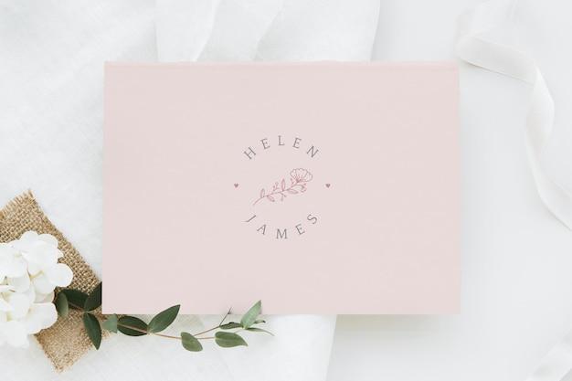 Maqueta de tarjeta de invitación de boda botánica