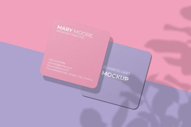 Maqueta de tarjeta de visita cuadrada de esquina redondeada con superposición de sombras