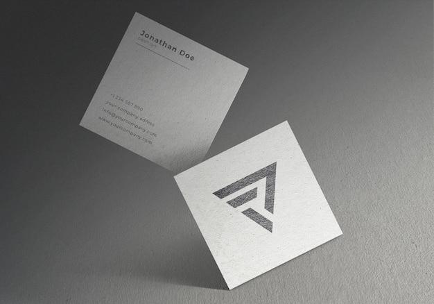 Maqueta de tarjeta de visita cuadrada flotante