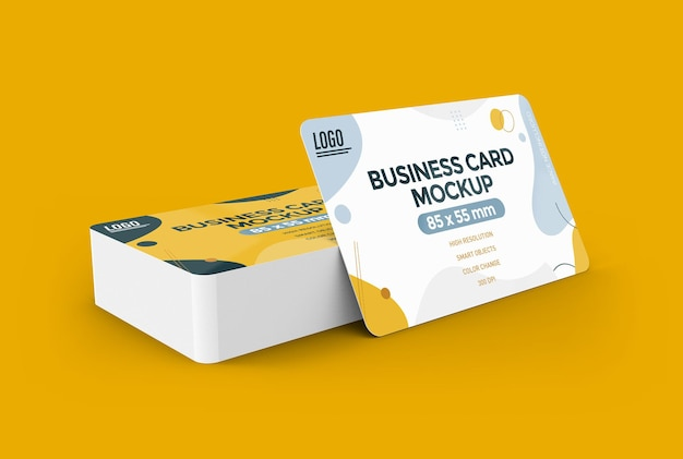 Maqueta de tarjeta de visita con diseño de esquinas redondeadas aislado