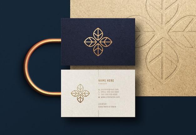 Maqueta de tarjeta de visita moderna y de lujo