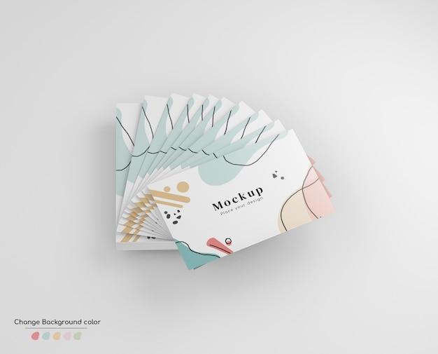 Maqueta de tarjeta de visita de negocios mínima en disposición de ventilador de mano.