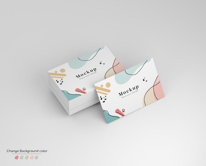 Maqueta de tarjeta de visita de negocios mínima isométrica en fajo y aislado.