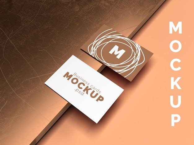 Maqueta de tarjeta de visita sobre soporte de cobre