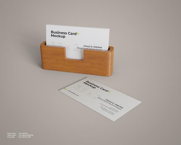 Maqueta de tarjeta de visita con soporte de madera