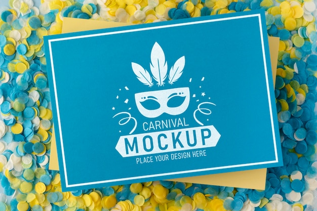 Maqueta de tarjeta de vista superior con confeti