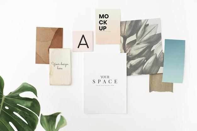 Maqueta de tarjetas en blanco en la pared