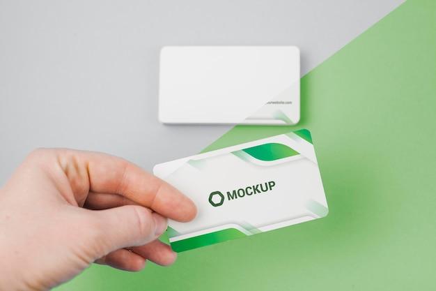 Maqueta de tarjetas de visita verdes