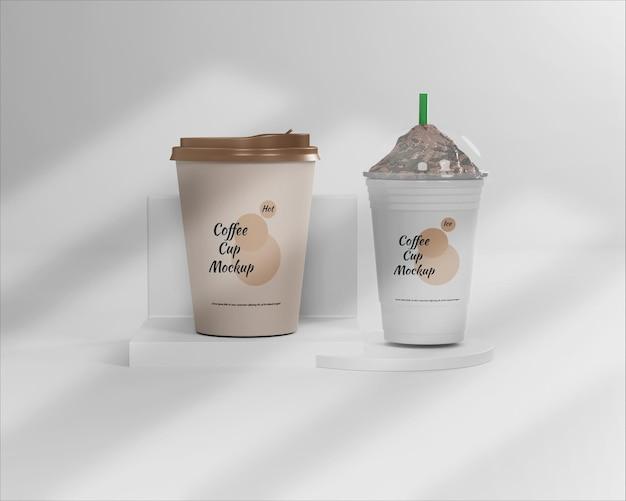 Maqueta de taza de café caliente y helado
