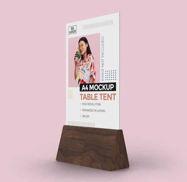 Maqueta de tienda de mesa promocional para pantalla a4