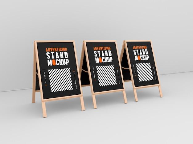 Maqueta de tres stands publicitarios.