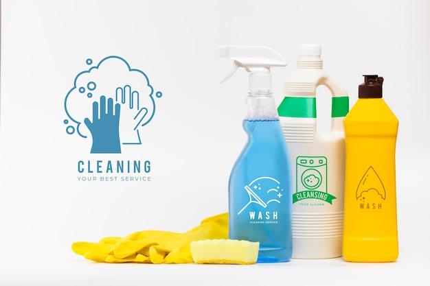 Maqueta de varios productos de limpieza para el hogar