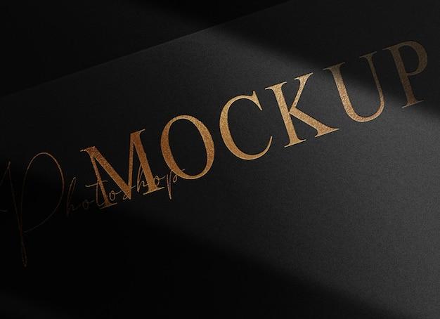 Maqueta de vista en perspectiva de papel en relieve dorado de lujo