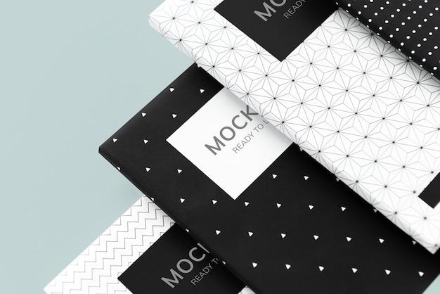 Maquetas de cuaderno estampadas en blanco y negro