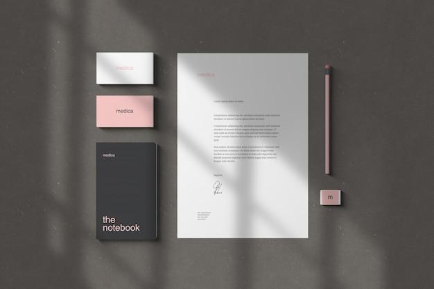Marcas / maquetas de papelería
