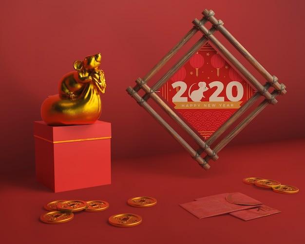 Marco y caja de regalo para año nuevo