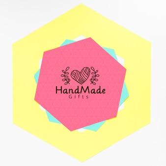 Marco colorido hecho a mano con maqueta