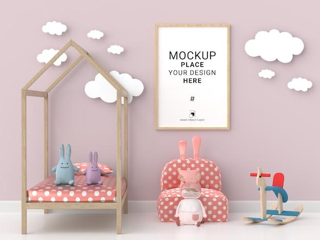Marco de fotos en blanco para maqueta en habitación infantil rosa