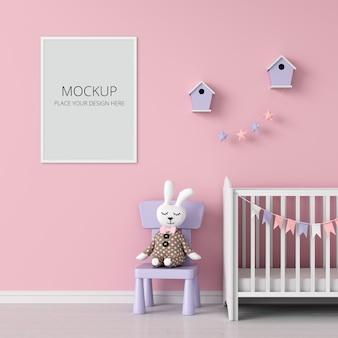 Marco de fotos en blanco para maqueta en habitación infantil