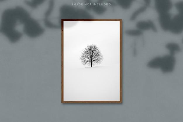 Marco de imagen vertical en blanco a4 para fotografías