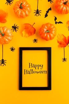 Marco con mensaje de feliz halloween