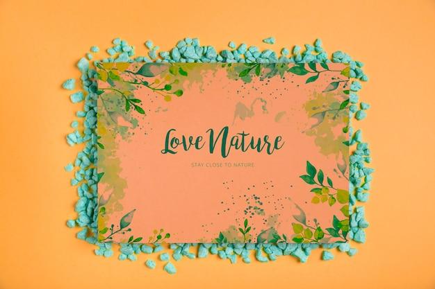 Marco con mensaje de naturaleza dentro