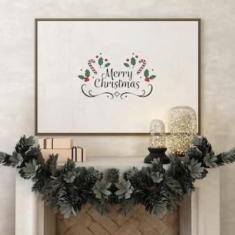 Marco de póster de maqueta con árbol de navidad y decoración